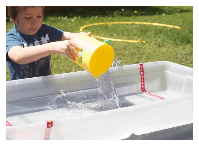 ice sensory science experiment set up