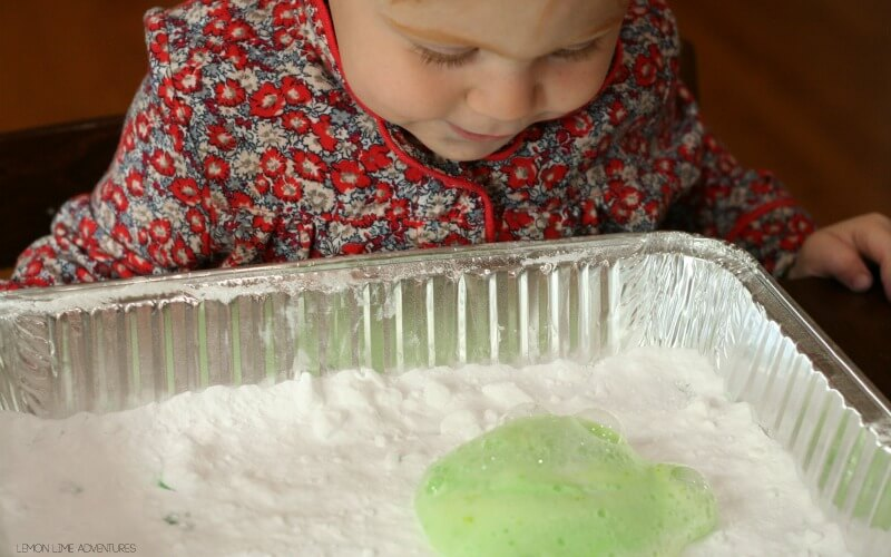 Toddler Fizzing Science