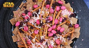 Simple and Healthy Star Wars Trail Mix