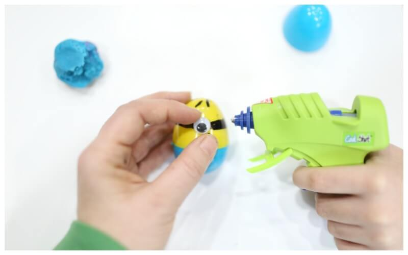Creating Minion Weeble Wobble Easter Eggs