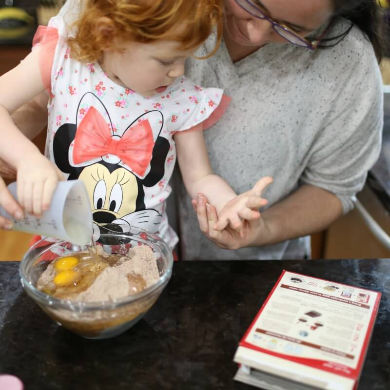 Making Minnie Cupcakes Mother Daughter