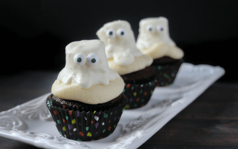 ghastly-ghost-cupcakes