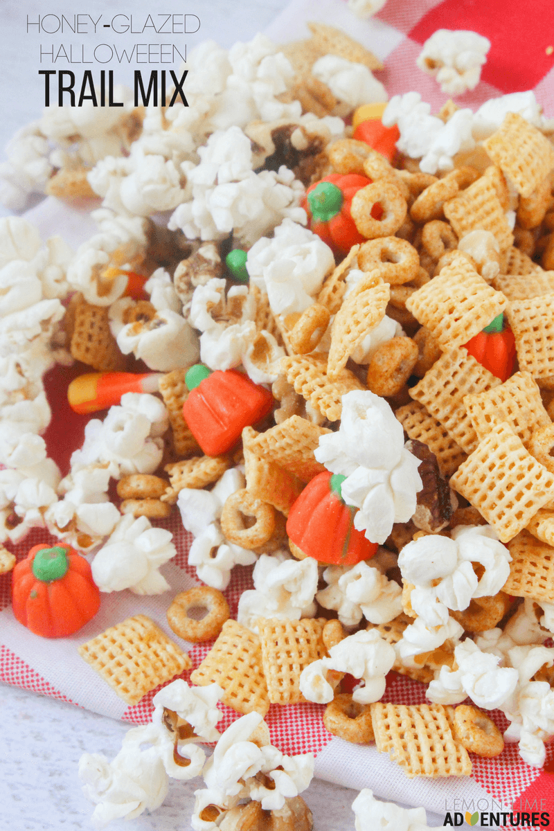 how-to-make-a-delicious-halloween-trail-mix-2