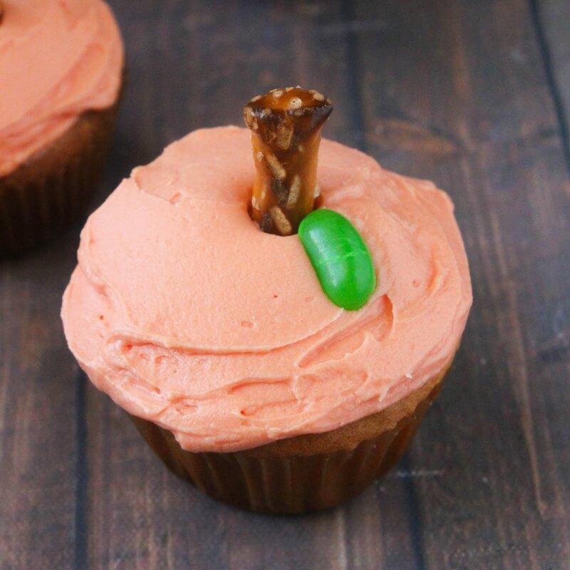 how-to-make-pumpkin-cupcakes-3