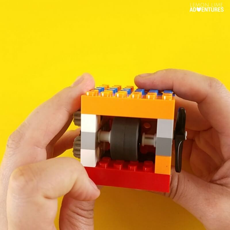 Fidget Cube Challenge with Lego with a wheel