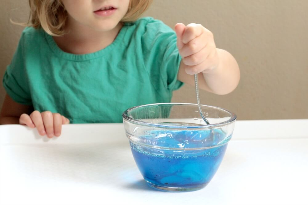 Kids will love this new twist on sensory activities and the science of slime when they make their very own slime bubbles!
