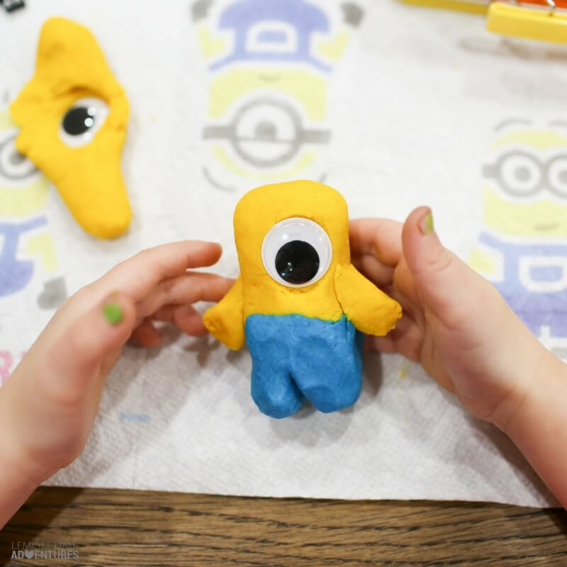 Minion Playdough Kit