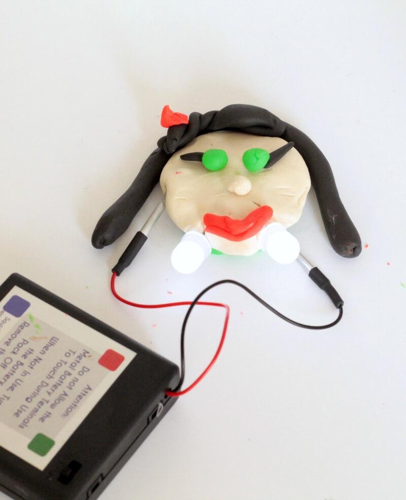 squishy circuit vampire a super fun halloween steam activity rh lemonlimeadventures com